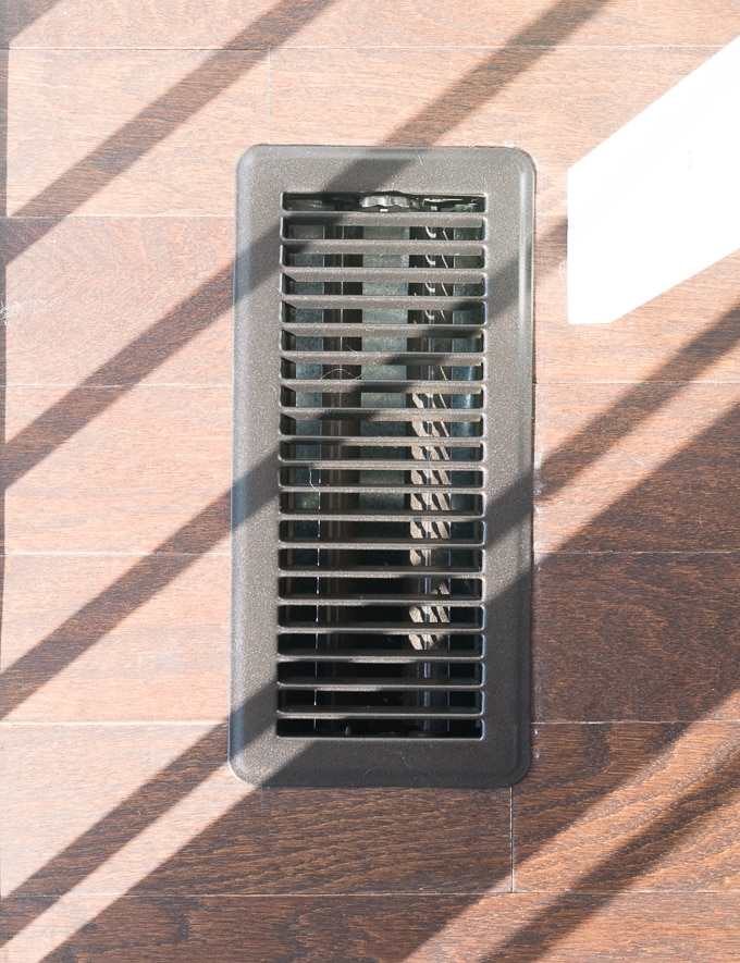 Easy fix for ugly floor vents--spray paint them!