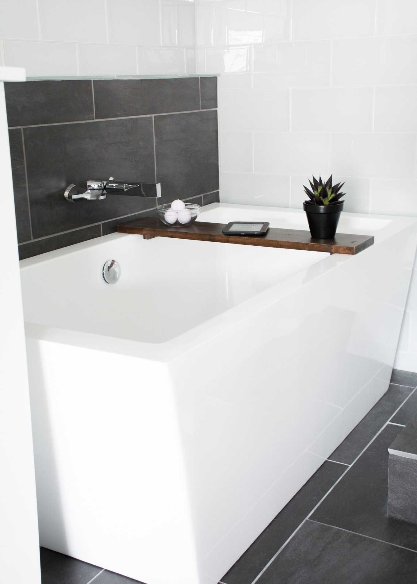 How to build an easy bathtub tray