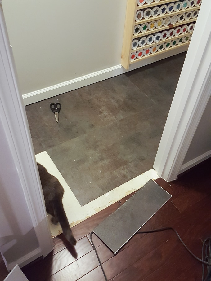 How to lay vinyl peel-and-stick flooring