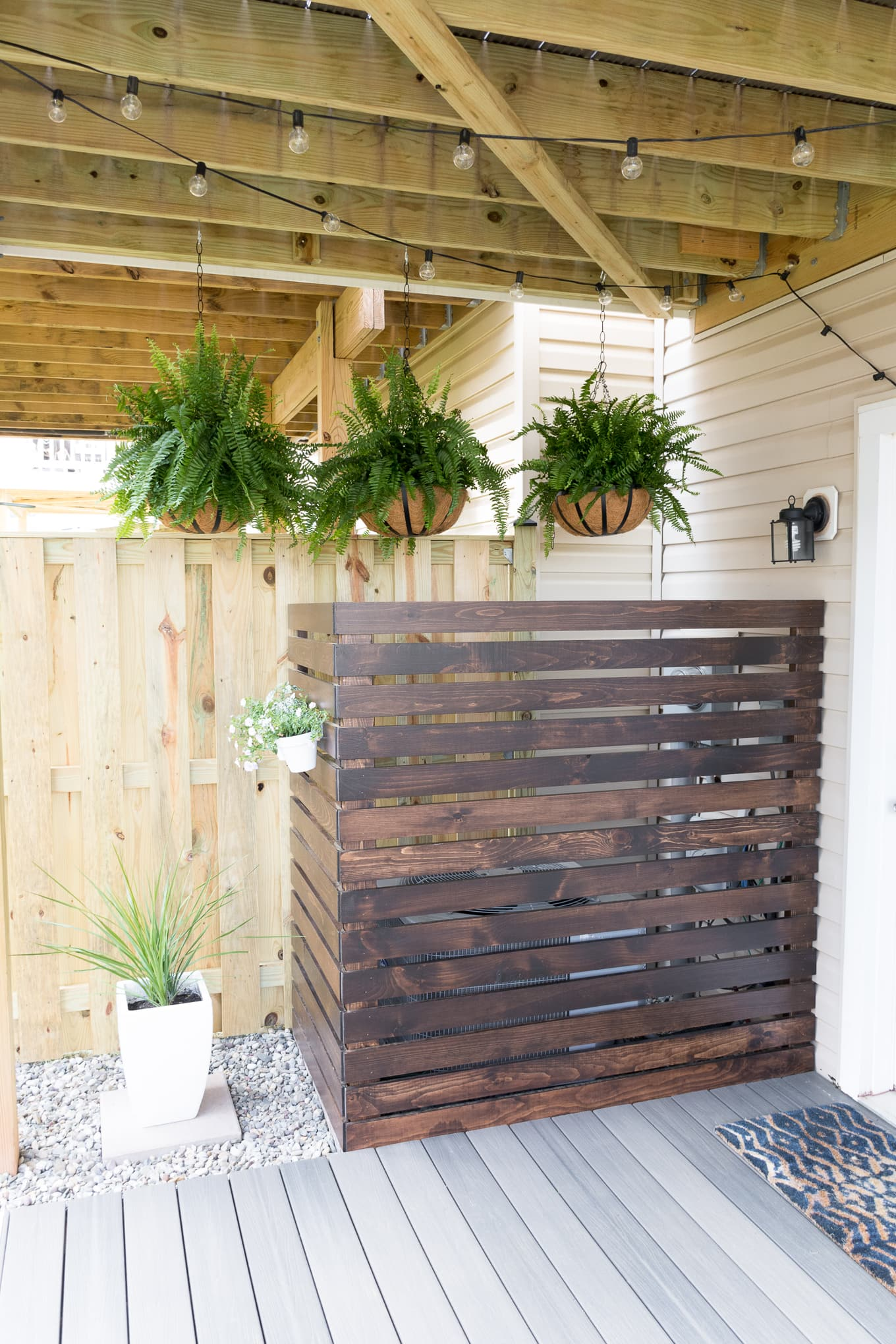 Modern design ideas for a small backyard // My Tiny Backyard // by Brittany Goldwyn #buildplans #diy #kregtool #pocketholes #woodworking