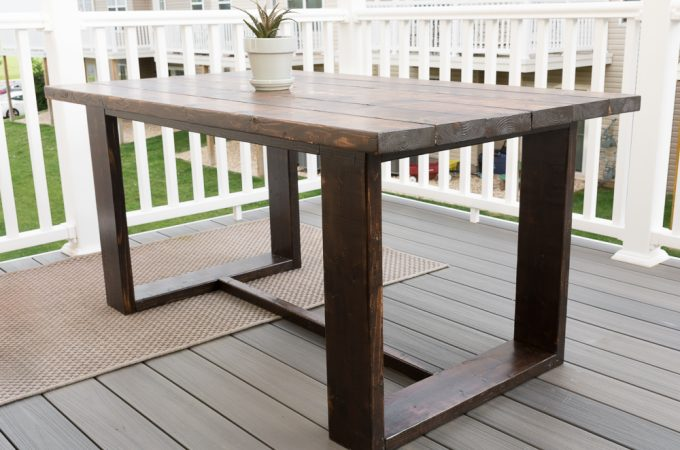 DIY outdoor dining table build plans