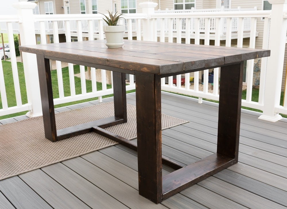 DIY outdoor dining table build plans #buildplans #diy #kregtool #pocketholes #woodworking
