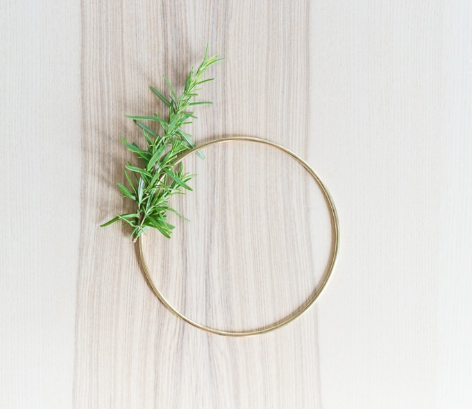 DIY Rosemary and Gold Wreath // Modern holiday wreath idea