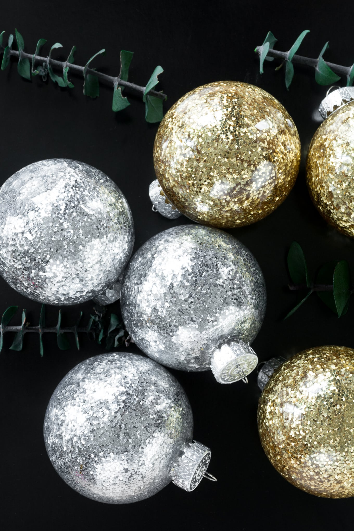 how to make glitter ornaments