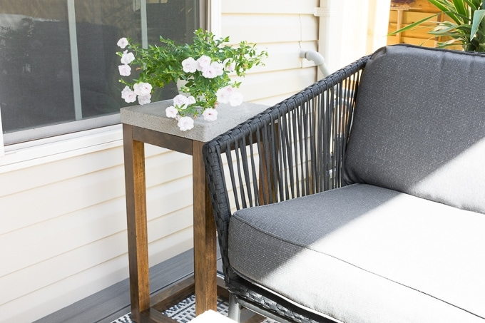 DIY Concrete Outdoor Side Table Made From Pavers