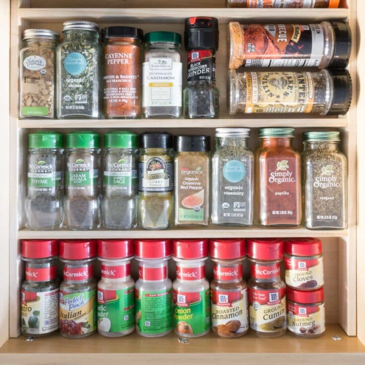 DIY Drawer Organizer for Spices #woodworking #diy #organizing #spiceorganizing #spicedrawer