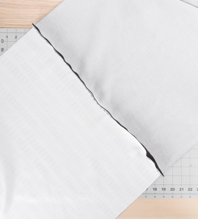 how to sew a pillow cover with a zipper