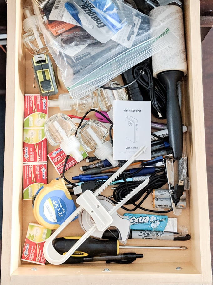 Learn how to make this DIY junk drawer organizer using under $5 worth of wood #organizing #organized #organize #junkdrawer #diy #woodworking