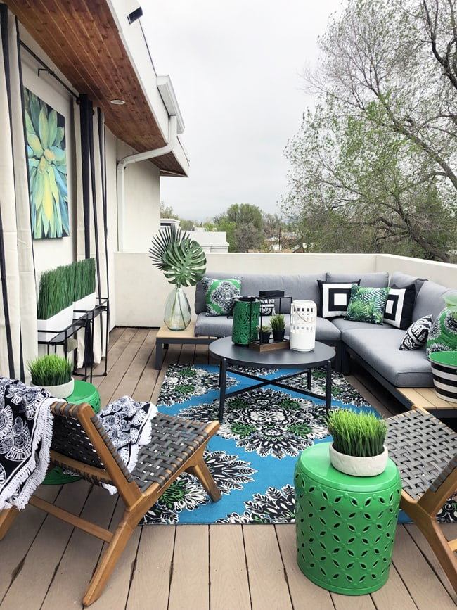 How To Decorate A Small Outdoor Space Decorate A Small Patio