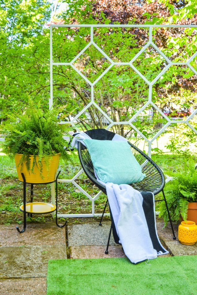 beautiful modern trellis DIY