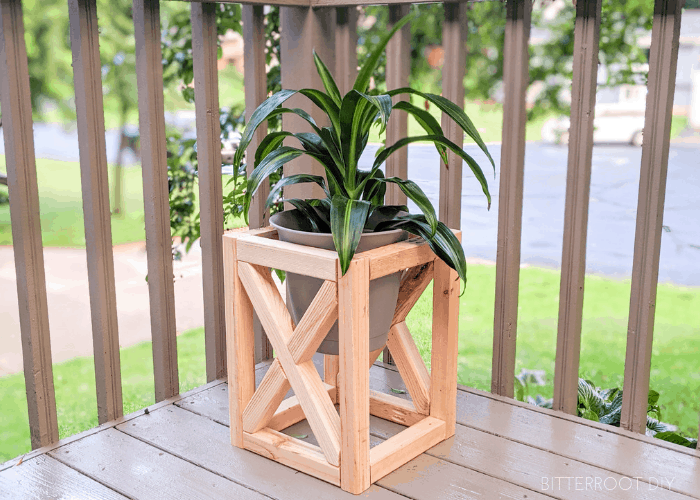 DIY Plant Stand | Bitterroot DIY