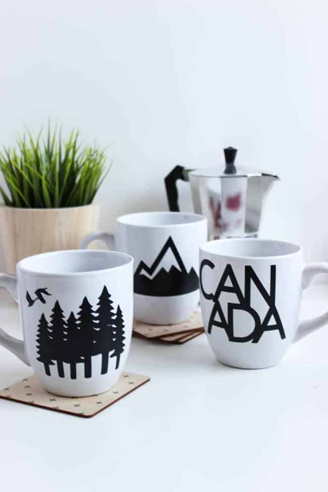 Canada-themed coffee mugs
