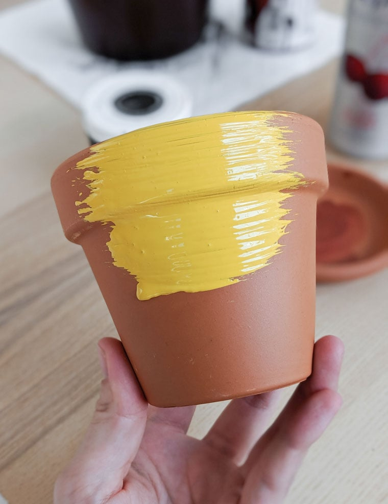 painting a terracotta pot