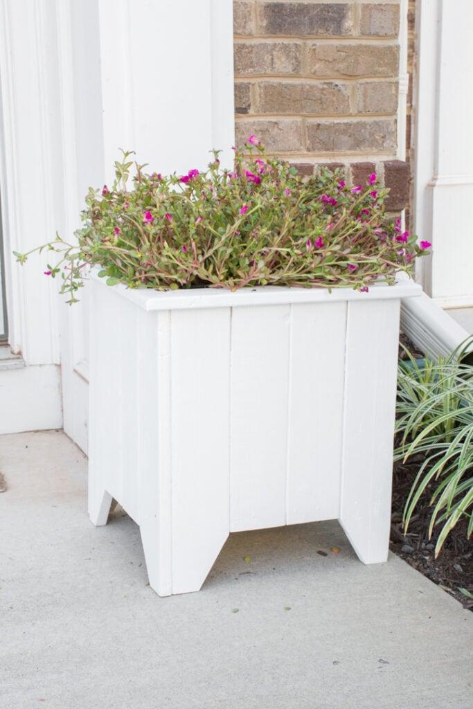 Wooden porch planter box DIY