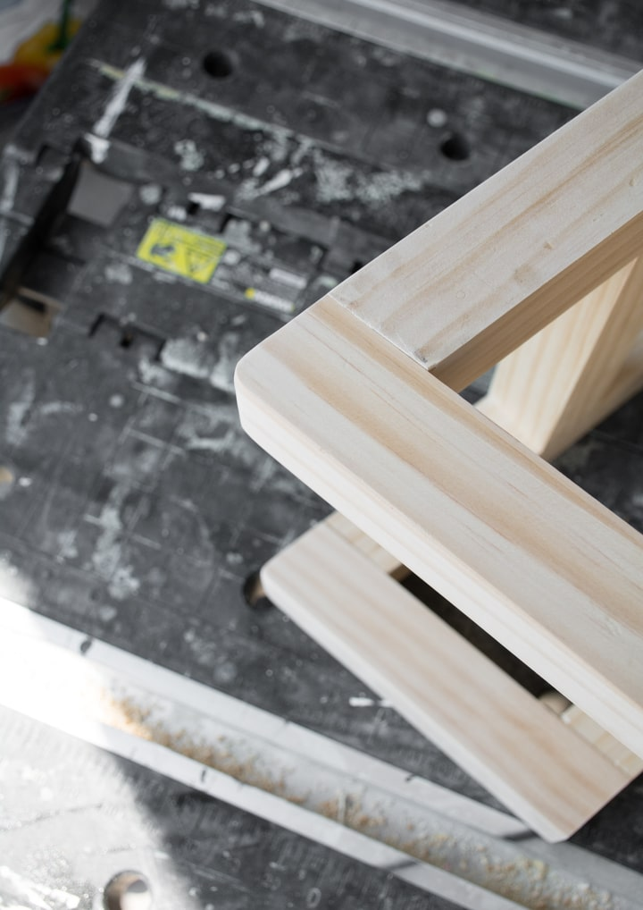 rounding corners on stool base