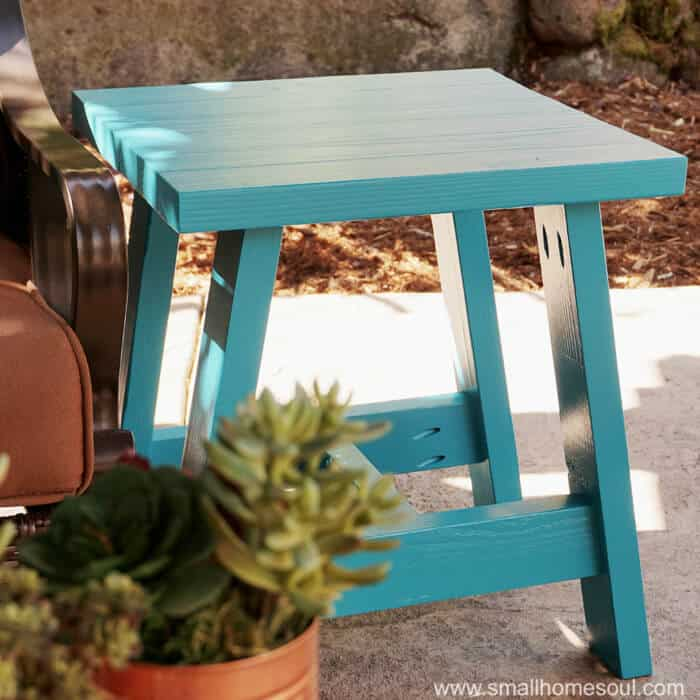 2×4 Outdoor Side Table Free Plans