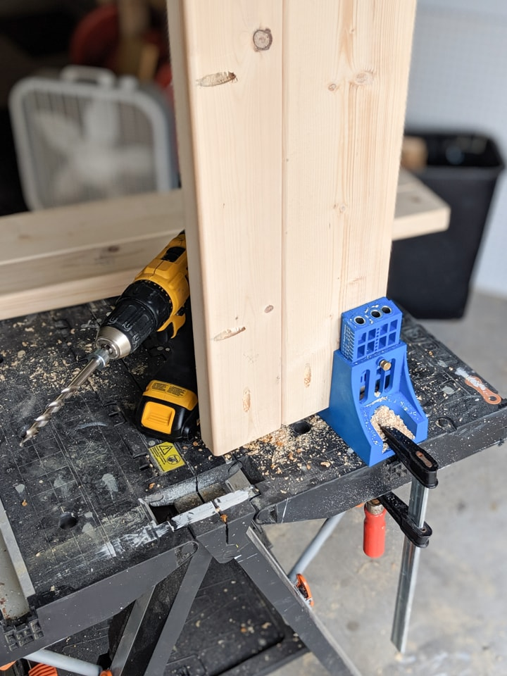 drilling pocket holes in the wood