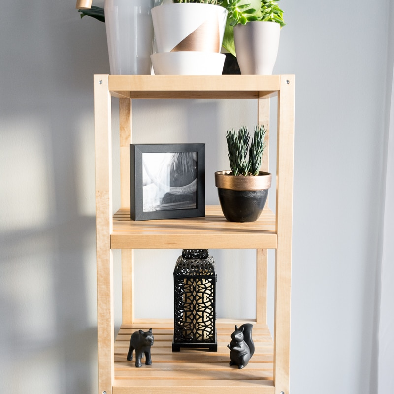 Painted pots on open shelving