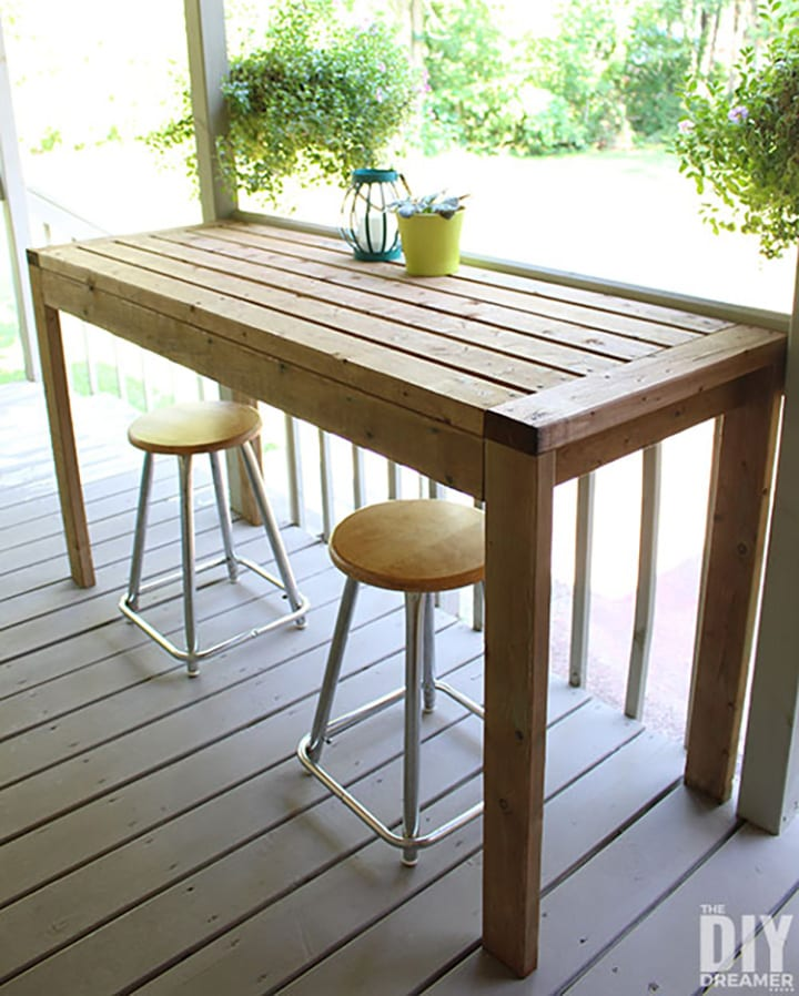 DIY outdoor bar table plans using 2x4s