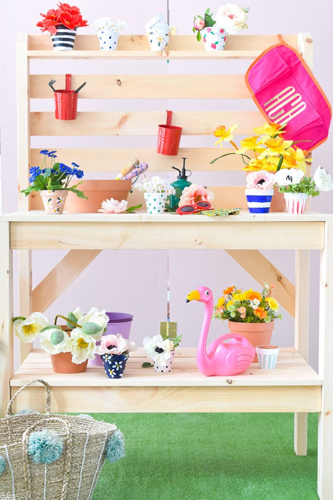 beautiful DIY potting bench