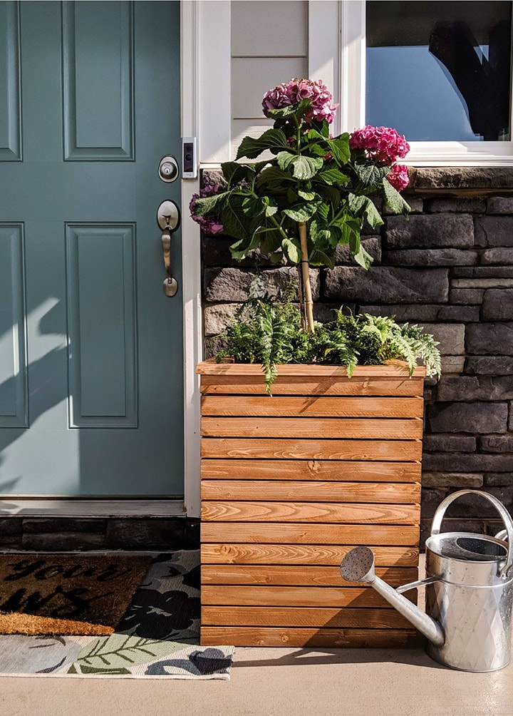slatted porch planter DIY