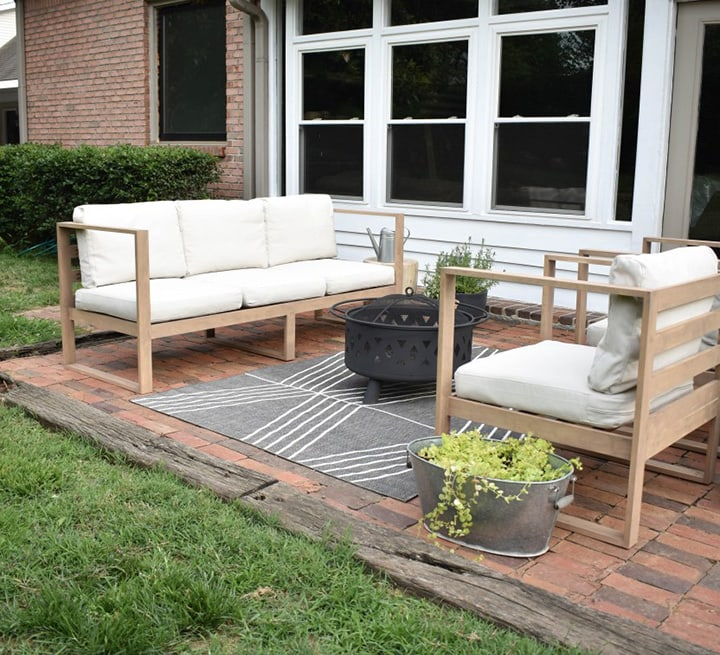 DIY Modern Outdoor Sofa build plans