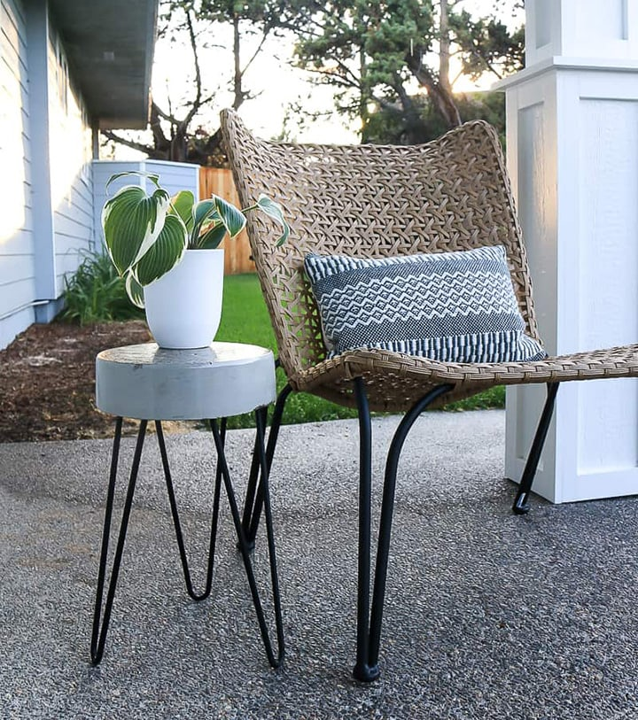 diy concrete side table with hairpin legs