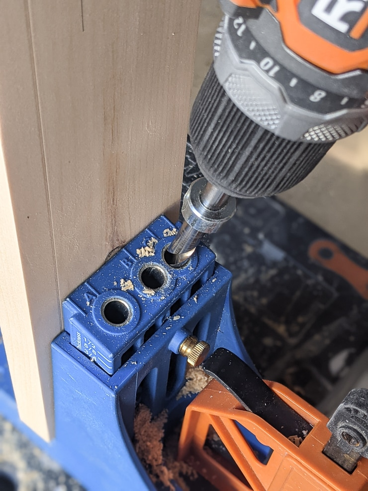 drilling a hole in wood using a KregJig K4