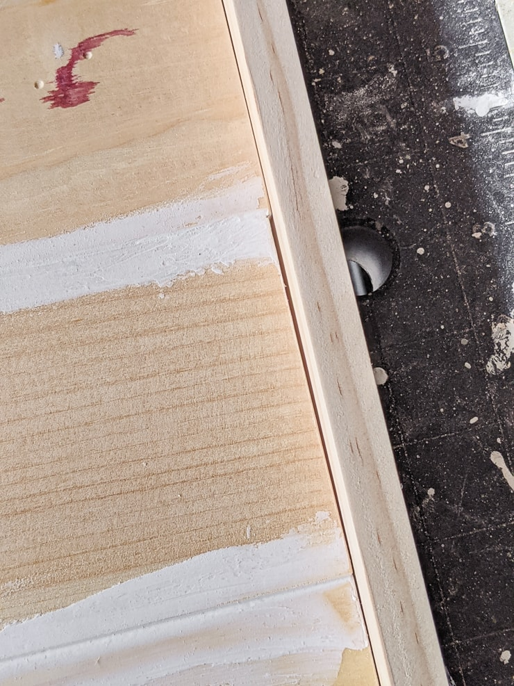 gaps in the wood construction that need filled with caulk