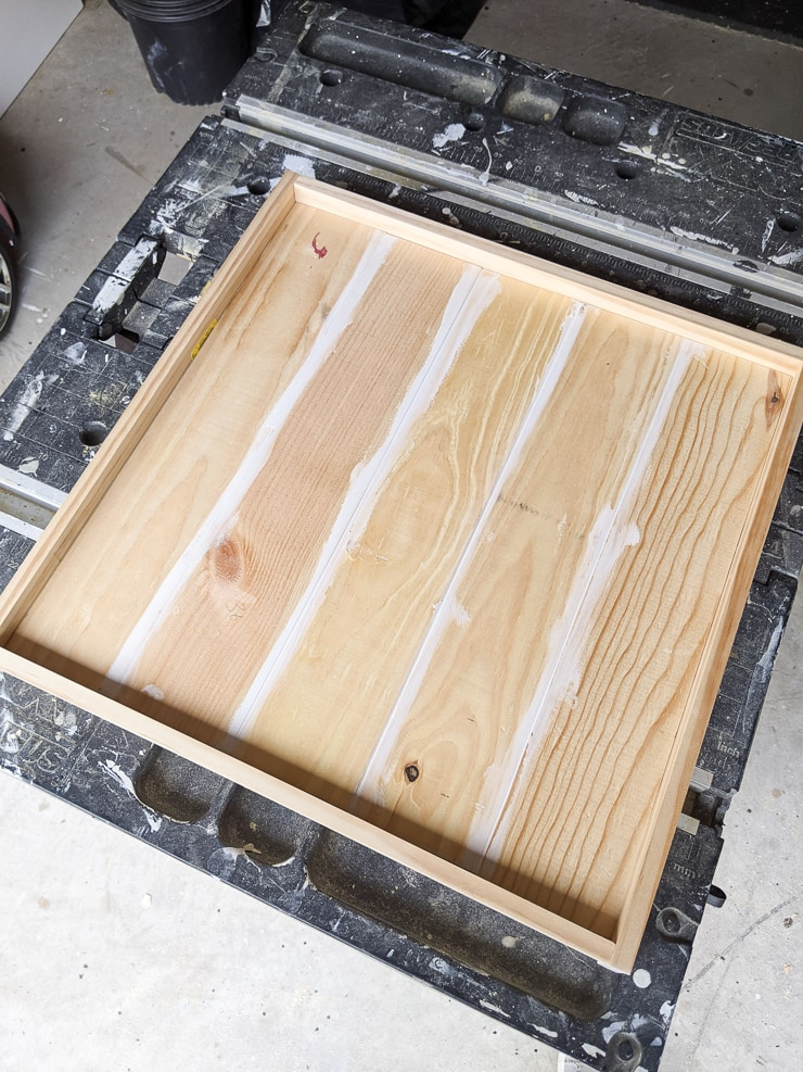 building a wooden table top with a raised edge for resin